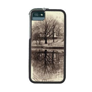 Black & White Landscape Winter Tree - Central Park iPhone 5/5S Cover