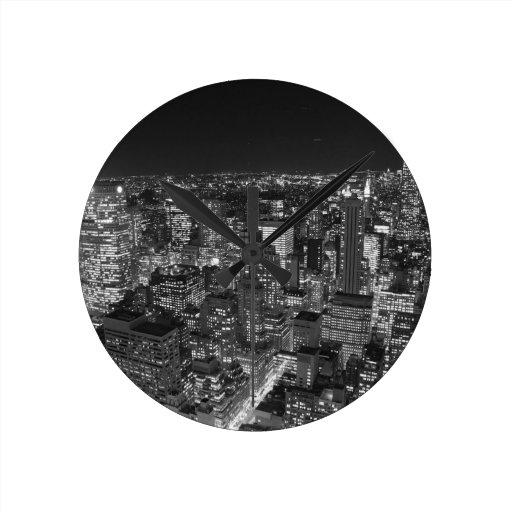 Black & White Manhattan Round Clock