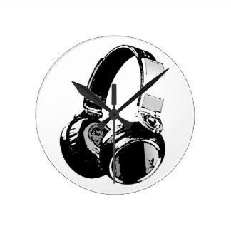 Black & White Pop Art Headphone Round Wallclocks