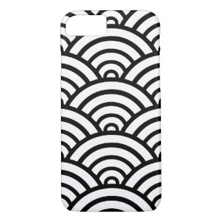 Black & White Scallop Pattern iPhone 7 Case