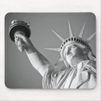 Black White Statue of Liberty Mouse Pad