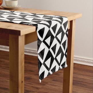 Black&White Triangle on Checkers Design Short Table Runner