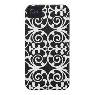 Black with White Flourish Design iPhone 4/4s iPhone 4 Cover