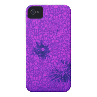 Blackberry Bold- Floral Damask in Hot Purple iPhone 4 Case