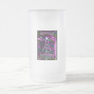 Blacklight colorized hombre de la proporción de da taza de cristal