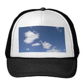 blancas de los nubes de la estafa del azul del cie gorro de camionero