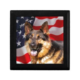 Blanco azul rojo del patriota del perro de pastor caja de regalo cuadrada pequeña