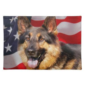 Blanco azul rojo del patriota del perro de pastor mantel individual