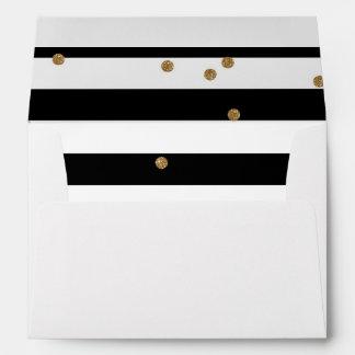 Blanco blanco y negro del trazador de líneas del sobres