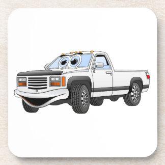 Blanco coja el dibujo animado del camión posavaso