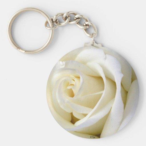 Blanco color de rosa llavero redondo tipo pin