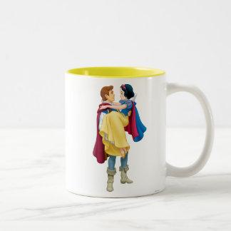Blanco como la nieve y príncipe el encantar taza de dos tonos