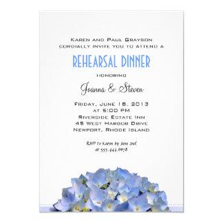 """Blanco con la cena azul del ensayo del boda invitación 5"""" x 7"""""""