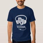 Blanco conocido del auricular de DJ en la camiseta Playera