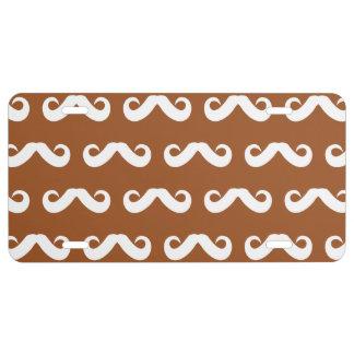 Blanco de Brown del bigote Placa De Matrícula