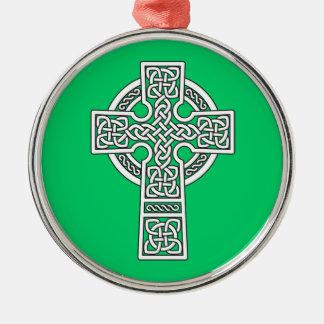 Blanco de la cruz céltica ornamento de reyes magos