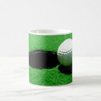 Blanco de la pelota de golf taza blanca clásica de