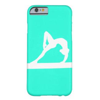 blanco de la silueta del gimnasta del caso del funda de iPhone 6 barely there