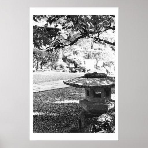 Blanco de piedra de la lámpara póster
