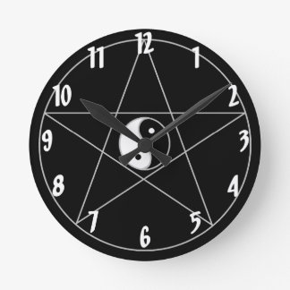 Blanco de Yin Yang del Pentagram Relojes De Pared