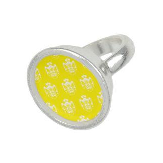 Blanco del amarillo del escudo de la familia anillos con foto
