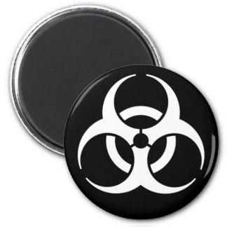 blanco del biohazard en negro imán para frigorifico
