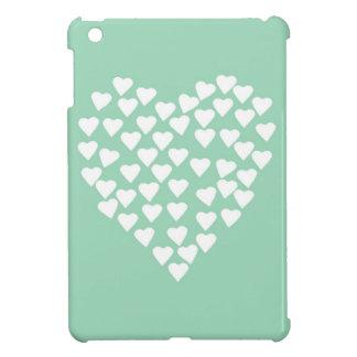 Blanco del corazón de los corazones en la menta iPad mini funda