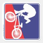 Blanco del motorista de BMX y azul rojos Pegatina Cuadradas Personalizada