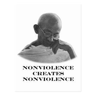 Blanco del Nonviolence los regalos de Zazzle del Tarjeta Postal