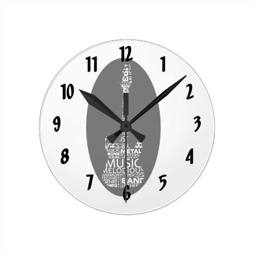 blanco del terraplén de la palabra de la guitarra  reloj redondo mediano