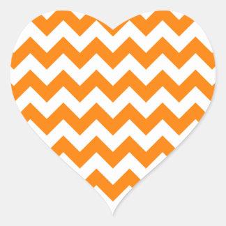 Blanco del zigzag I y anaranjado pequeños Pegatina En Forma De Corazón