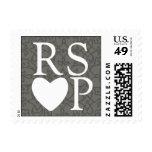 Blanco en el sello gris de RSVP del corazón