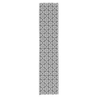 Blanco en modelo geométrico negro del signo de camino de mesa corto