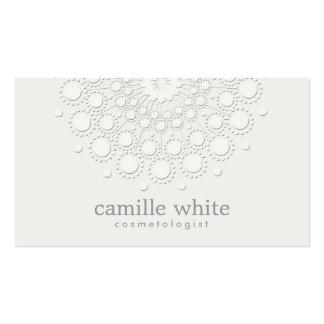 Blanco monocromático del rosetón elegante de la plantillas de tarjeta de negocio