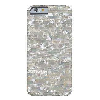 Blanco nacarado tejado funda para iPhone 6 barely there