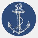 Blanco náutico de los azules marinos de la decorac pegatina redonda