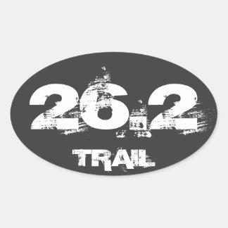 Blanco oval de la etiqueta del rastro del maratón