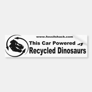 Blanco que este coche accionado por los dinosaurio etiqueta de parachoque