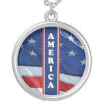 Blanco rojo de Amercia y azul patrióticos Collares