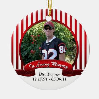 Blanco rojo rayado en el ornamento cariñoso de la adorno navideño redondo de cerámica