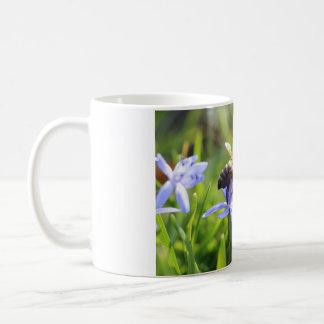 Blanco taza blanca clásica de 11 onzas - flor de