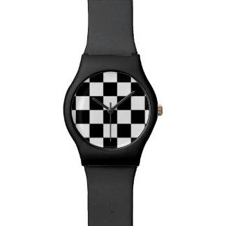 Blanco y negro a cuadros relojes de mano