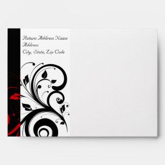 Blanco y negro con el sobre reverso rojo del remol