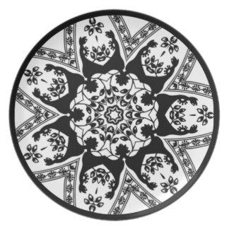 Blanco y negro decorativo plato