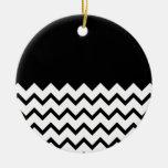 Blanco y negro. El zigzag de la parte, pieza negro Ornamentos Para Reyes Magos