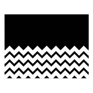 Blanco y negro El zigzag de la parte pieza negro Tarjeta Postal