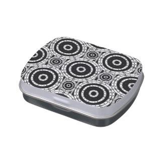 Blanco y negro geométrico latas de caramelos