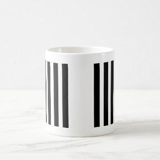 Blanco y negro taza clásica