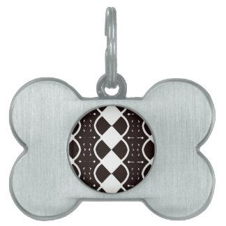 Blanco y negro teje placas mascota