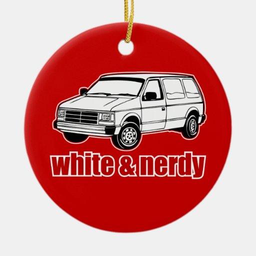 blanco y nerdy adorno de navidad